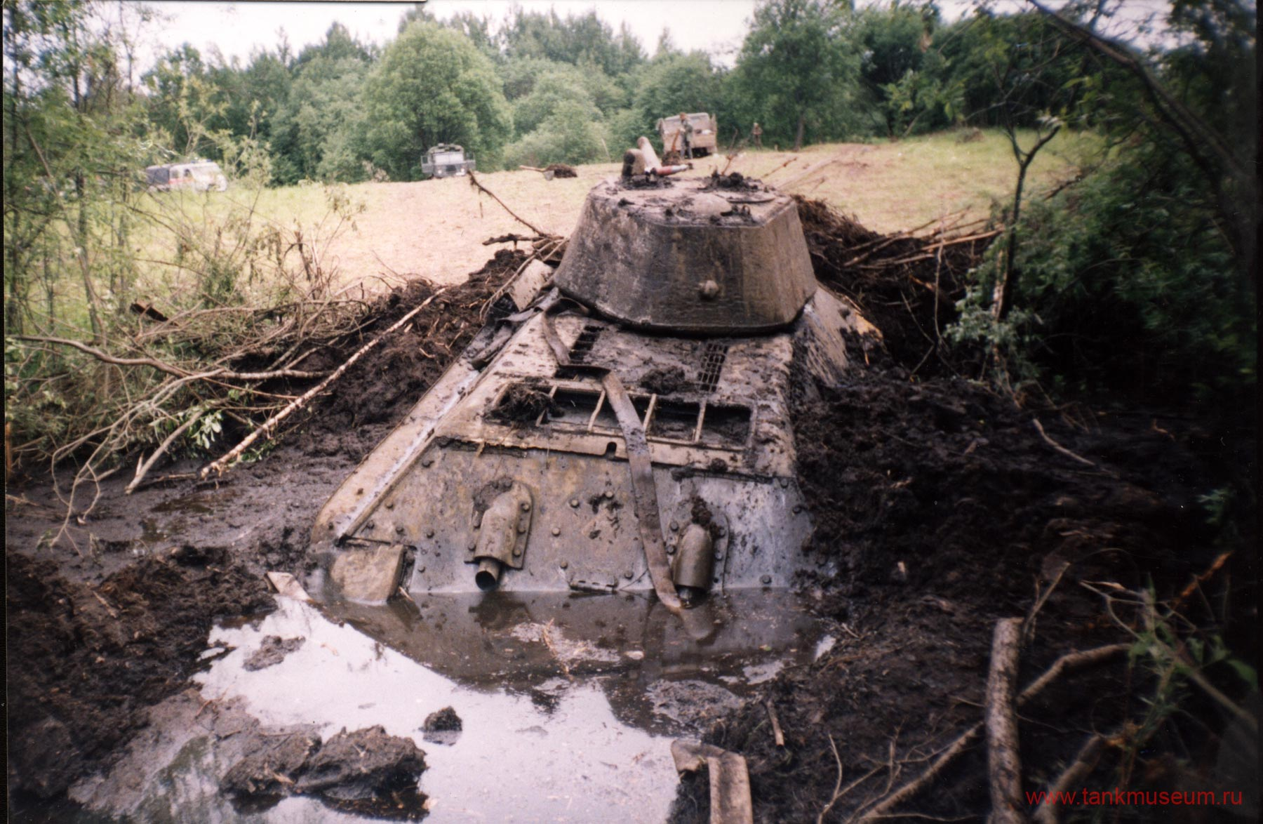 поиск и реставрация военной техники