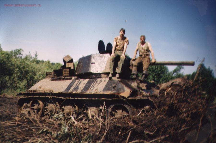 """Подъем танка Т-34 """"Снайпер"""" поисковым отрядом"""