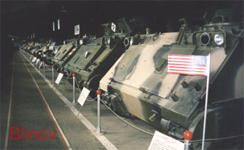 American half-tracked armored carriers : amphibious M125A1 M1975 (N21), M113 ACAV M1964 (N20), M113A1 M1964 (N19)
