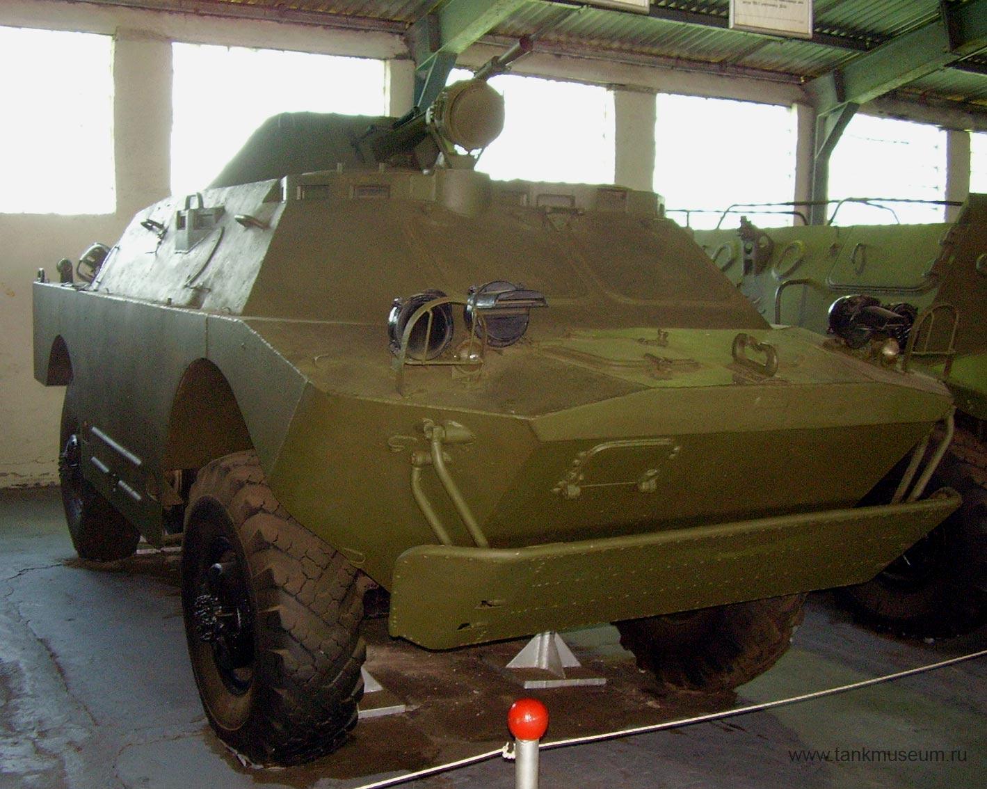 Плавающая бронированная разведывательно-дозорная машина БРДМ-2