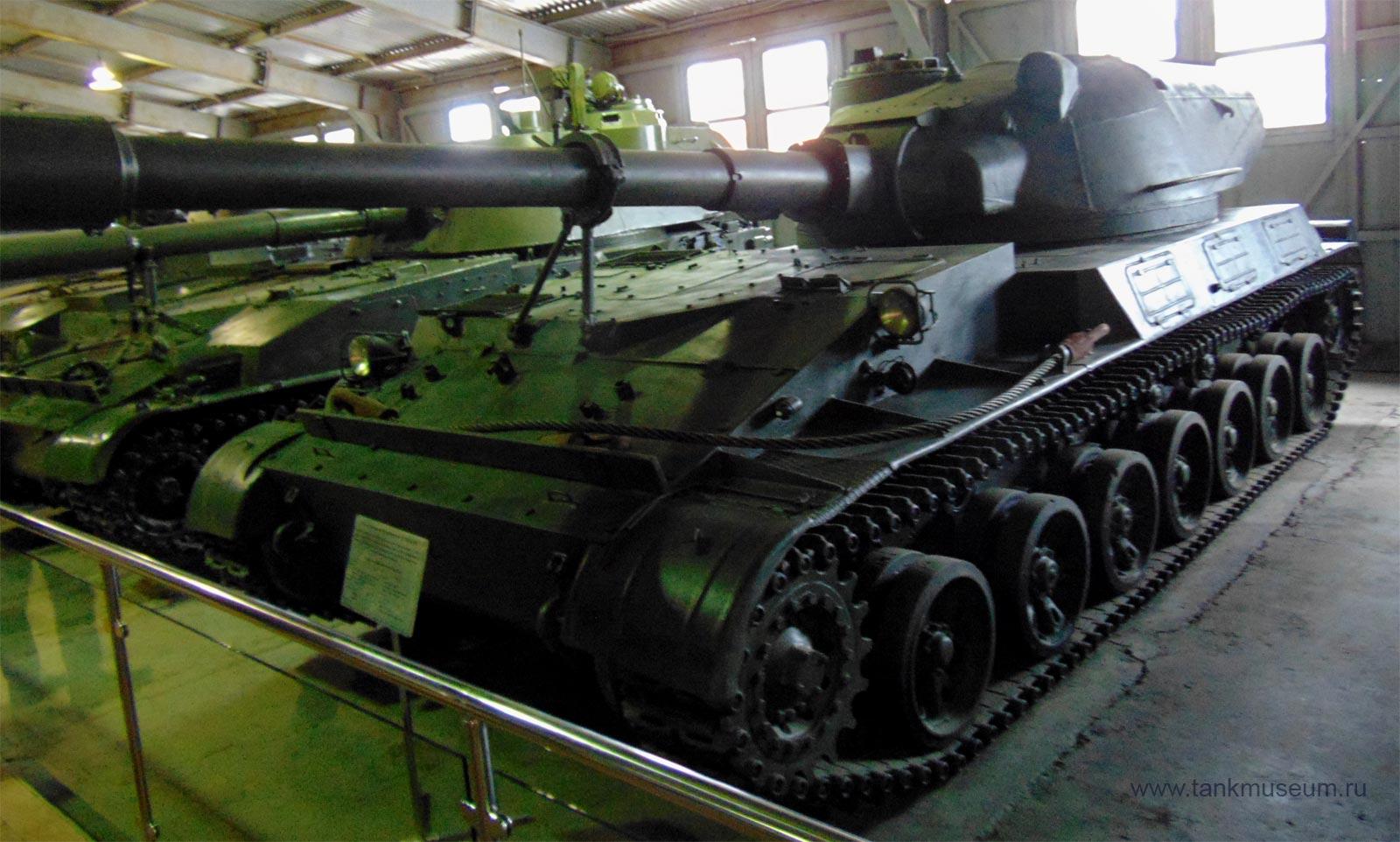 самоходная установка СУ-152 танковый музей Кубинка