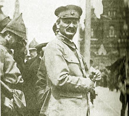 Вождь и создатель Красной армии товарищ Троцкий