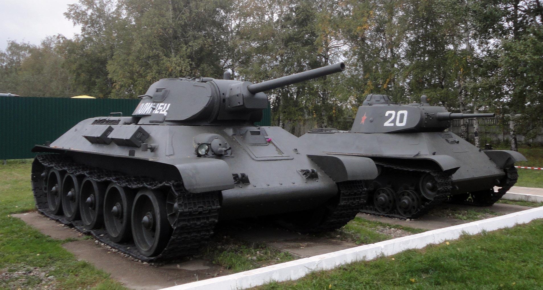 Танк Т-34 в наружной экспозиции